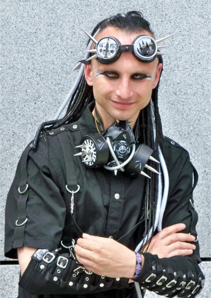 Cybergoth ...  sc 1 st  costume-ideas.com & Cybergoth outfits u2013 Transform yourself into the Goths of the future ...
